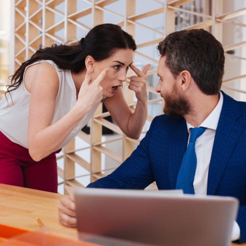 ¿Sabes si los estatutos sociales de tu empresa te protegen frente a la entrada de socios no deseados?